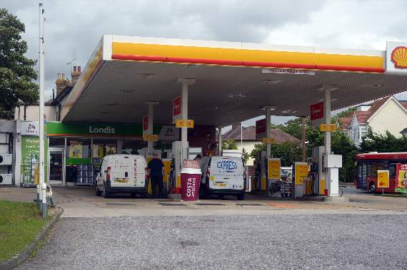 Residents repel Romford petrol station's around-the-clock booze licence application